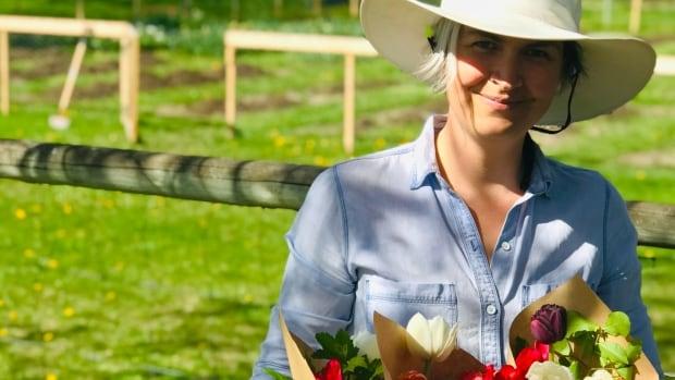 Edmonton family cancels overseas move due to COVID-19, starts B.C. flower farm instead