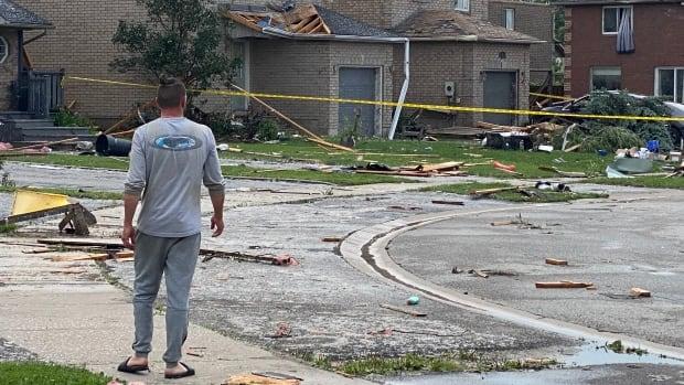 Scammers targeting Barrie neighbourhood where tornado struck, utility warns