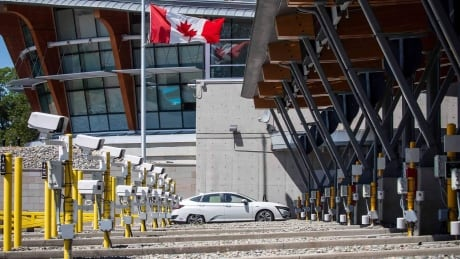 Canadian government approaches reopening border for fully vaccinated Americans