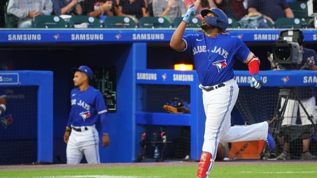 After 670 days, Blue Jays return to play baseball in Toronto again