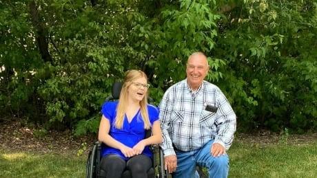 Nurse who nearly died in car crash meets Good Samaritan she credits with saving her life  Image 3