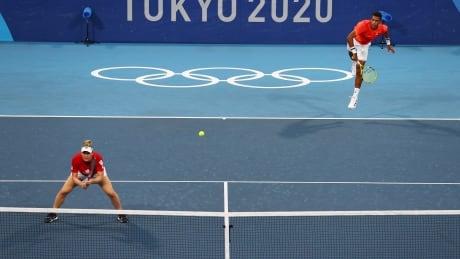 Auger-Aliassime, Dabrowski, mixed doubles