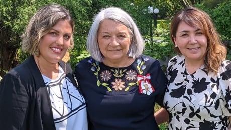 Julie Grenier, Mary Simon, Victoria Okpik