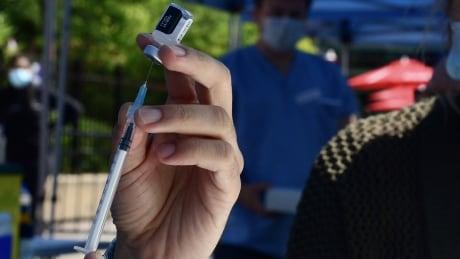 Covid vaccination clinique mobîle la ronde montreal