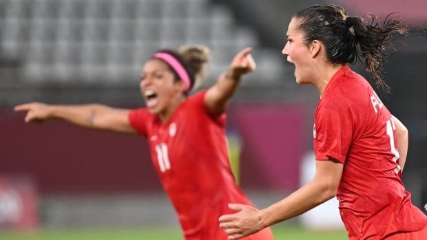 Canada shocks U.S. in semis, will play for Olympic gold in women's soccer   CBC Sports