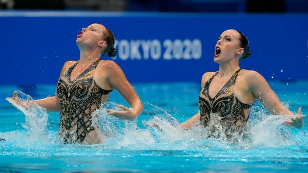 Canadian duo Holzner, Simoneau finish 5th in artistic swimming competition