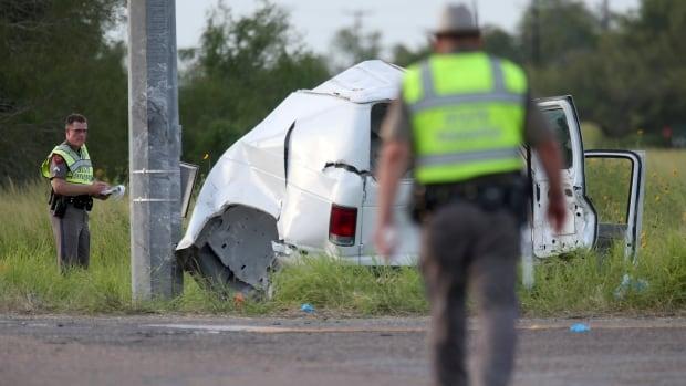 10 killed, 20 injured in Texas crash of overloaded van carrying migrants