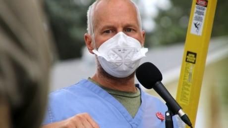 Dr. Joe Vipond at nurses rally Aug. 11, 2021