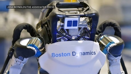Humanoid robots perform flawless parkour routine