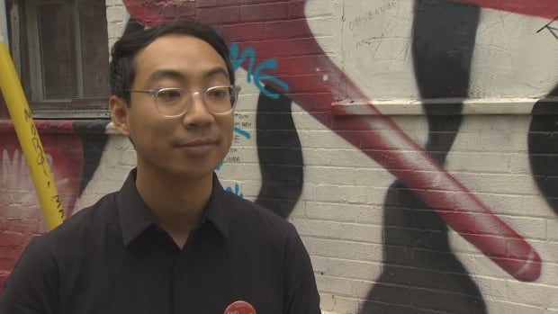 Expelled Liberal candidate says he'll sit as an Independent