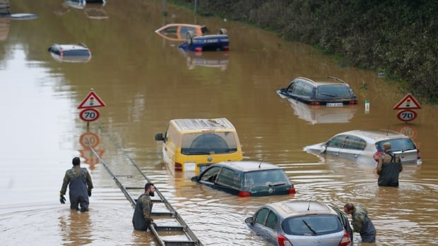 Storms, floods, other weather disasters quadrupled worldwide since 1970s, UN agency says