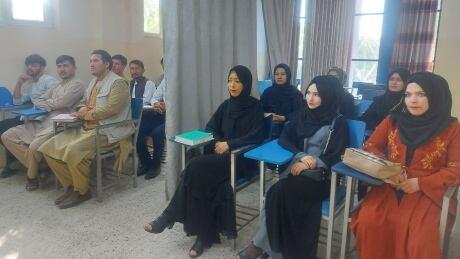 AFGHANISTAN-CONFLICT/WOMEN-CLASSROOM