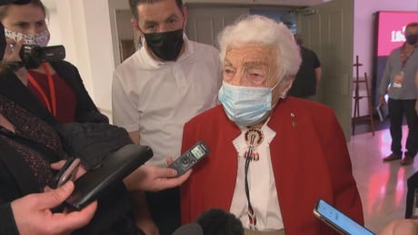 Moments after attending Trudeau rally,  Hazel McCallion criticizes election call