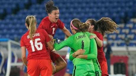 Big demand, small supply for Canadian women's soccer team gear