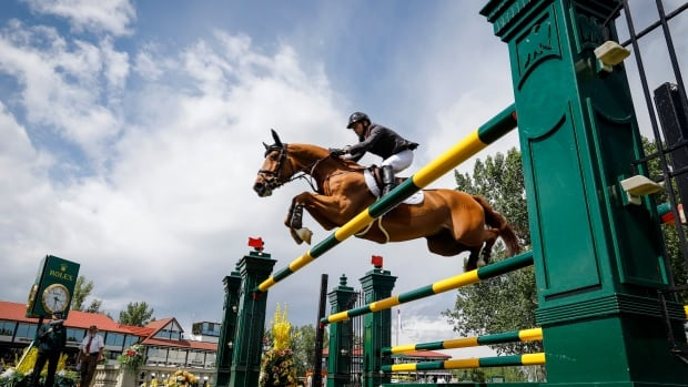 Canada's Dylan Munro wins North American Ring at Spruce Meadows
