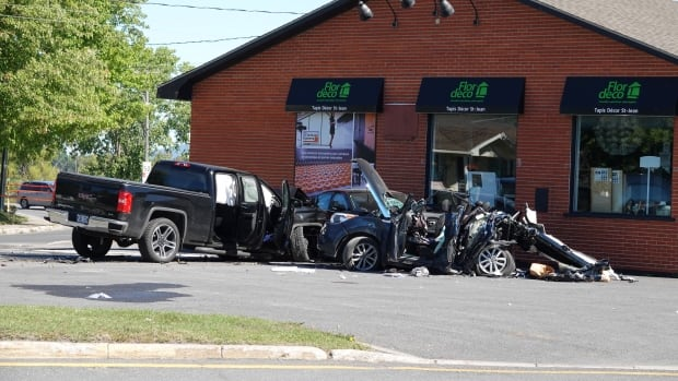 Mother, 2 teenagers killed in collision in Saint-Jean-sur-Richelieu | CBC News