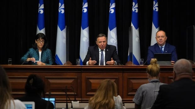 Quebec offers $1B to lure nurses back to public system amid staffing crisis