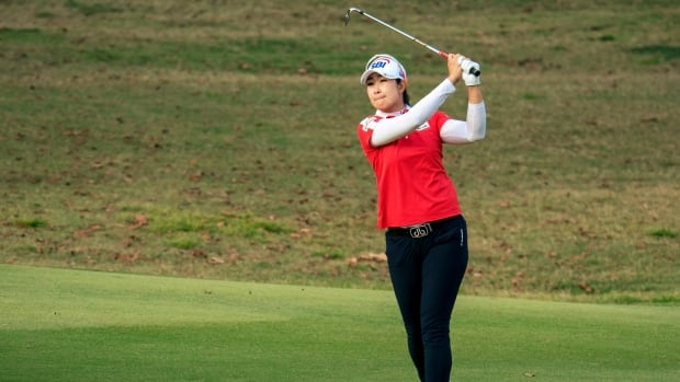 3-way tie for lead following 1st round of Walmart NW Arkansas Championship