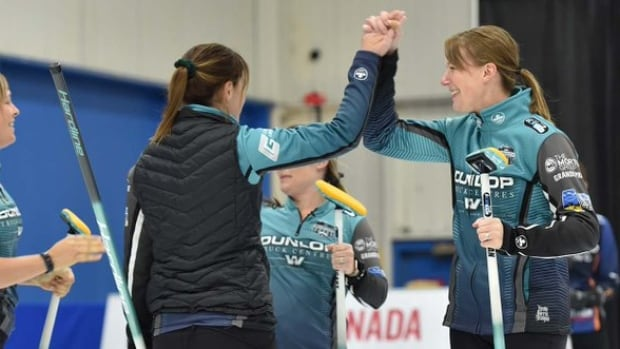 Team Casey Scheidegger books Olympic trials spot with victory over Team Corryn Brown