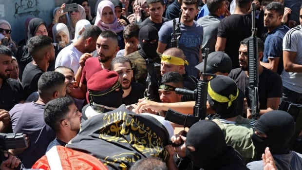 Israeli soldiers kill 5 Hamas militants in West Bank raids, military says | CBC News