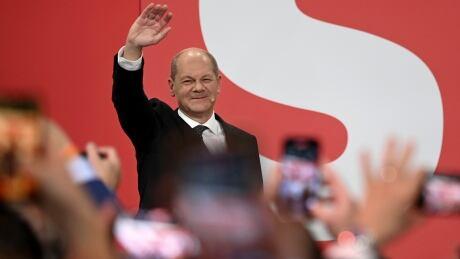 German Social Democrats seek 3-way coalition after slim election win