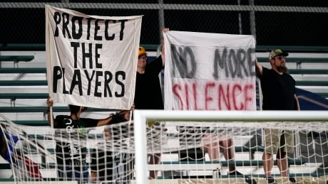 nwsl-signs-100721