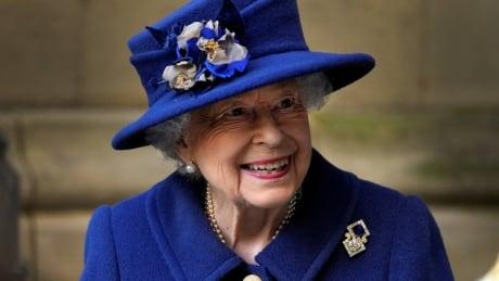 Queen seen using walking stick