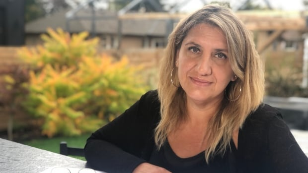 Patients out thousands in deposits to Ontario plastic surgeon who they say disappeared | CBC News