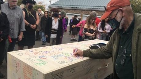 Bill Paul funeral