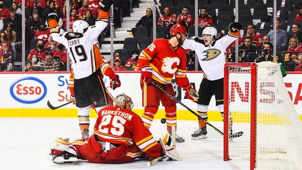 Drysdale strikes in OT to push Ducks past Flames | CBC Sports