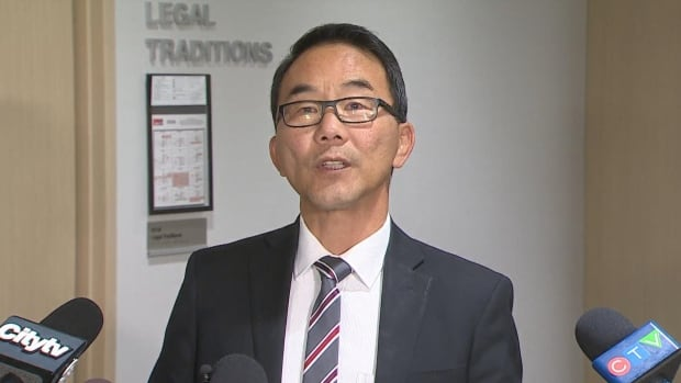 Rallies for and against Calgary Coun. Sean Chu to be held at the same time on Sunday | CBC News