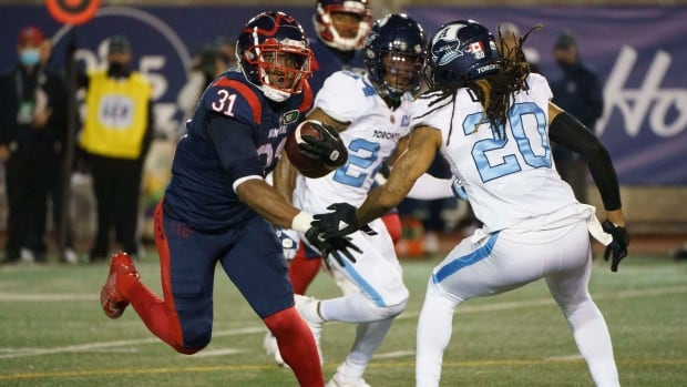 Alouettes roll through Argos behind 2nd quarter outburst, dominant defensive play | CBC Sports