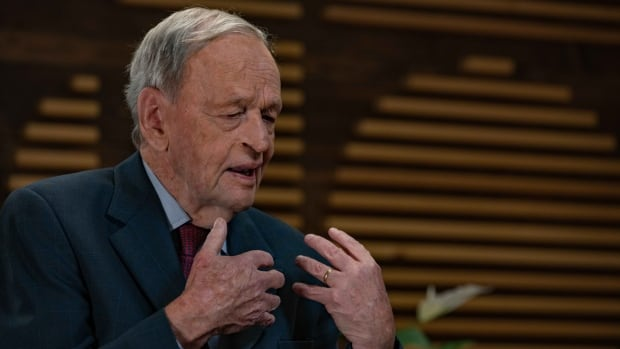 Canadian government should have moved more quickly on release of two Michaels, Chrétien says