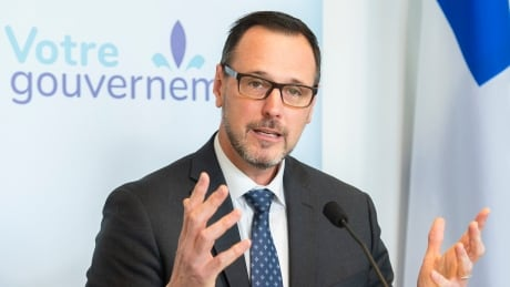 Quebec to replace ethics and religious culture class with program emphasizing Quebec values, critical thinking
