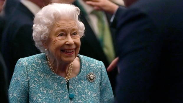 Queen Elizabeth carries out official duties following hospital stay