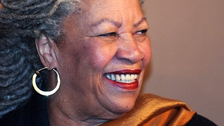Obama, Oprah and others react to Toni Morrison's death