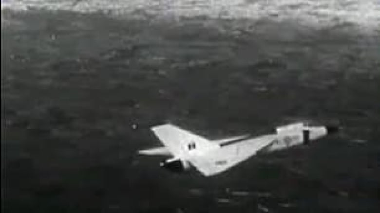 A new hunt for Avro Arrow models in the depths of Lake