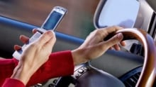 hi-cellphone-driving-getty-sb10068799c-001