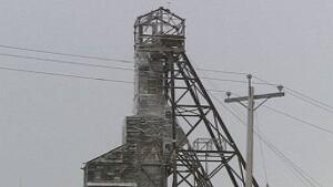 hi-giant-mine-siding-removed