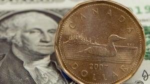 hi-canadian-dollar852-cp833